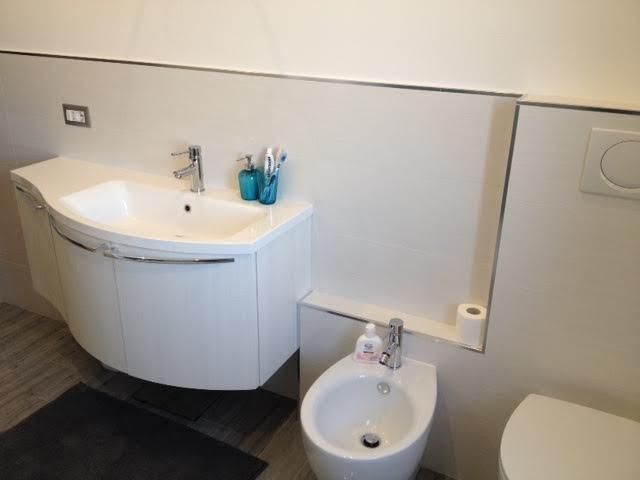 Ristrutturazione Completa Del Bagno : Ristrutturazione completa appartamento in zona casal del marmo